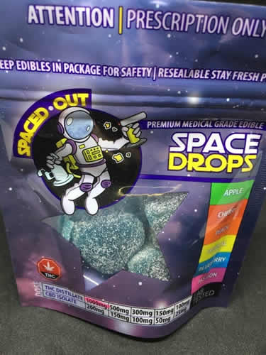 spacedrops 2 - 1000 mg THC Space Drop Gummies By Award Winning Spaced Out 1 for 60$ or 2 for 110$ Weed Delivery Toronto - Cannabis Delivery Toronto - Marijuana Delivery Toronto - Weed Edibles Delivery Toronto - Kush Delivery Toronto - Same Day Weed Delivery in Toronto - 24/7 Weed Delivery Toronto - Hash Delivery Toronto - We are Kind Flowers - Premium Cannabis Delivery in Toronto with over 200 menu items. We're an experienced weed delivery in Toronto and we deliver all orders in a smell-proof, discreet package straight to your door. Proudly Canadian and happy to always serve you. We offer same day weed delivery toronto, cannabis delivery toronto, kush delivery toronto, edibles weed delivery toronto, hash delivery toronto, 24/7 weed delivery toronto, weed online delivery toronto